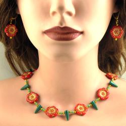 Blüten-Collier mit Ohrringen Handarbeit in Berlin produziert