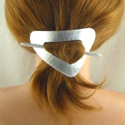 Kleine Dreieck Stab Haarspange Bambus Handarbeit in Berlin produziert